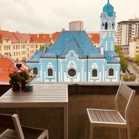 Blue Church views - central - quiet - beautifully renovated apartment