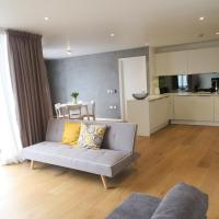 Modern 2 bedrooms and 2 bathrooms located near Canary Wharf