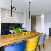 Wood & Champagne Apartaments