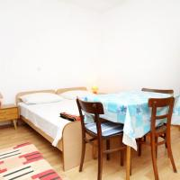 Apartments with a parking space Tucepi (Makarska) - 6695