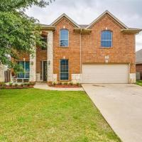 Amazing Large 5 bedroom Burleson Vacation Home In Quiet Neighborhood
