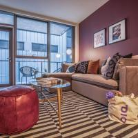 Hip 1 BR/1BA Apt near Merchandise Mart by Domio
