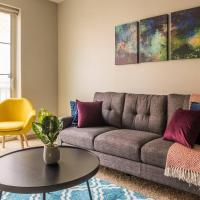 Convenient + Fun @ The Commons - 1br with Pool