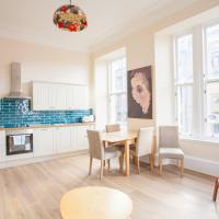 Ideally located two bed flat near Kelvingrove