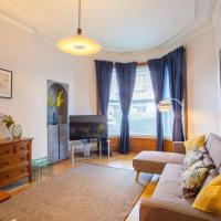 Stylish + Modern tenement flat close to City Centre
