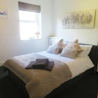 Entire 2 Bed Ground Floor Apartment Central but Quiet