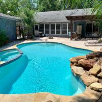 Your private tropical retreat near NASA, Kemah, Galveston and Houston.