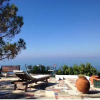 Villa Efelli:Boutique beachfront traditional Greek style house