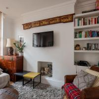 2 Bedroom Flat In The Heart Of London by GuestReady
