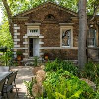 Unique house for 3 with large garden