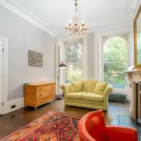 Huge 5BR Home for 10 by GuestReady