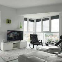 Luxury Westpark 2 Residence with Lake View