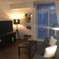 Downtown Condo with Balcony by Harbourfront