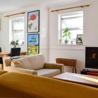 Hip 2 Bedroom Flat Near Peckham High Street