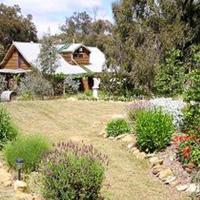 Moonbeam Cottages & Rainbow Cafe
