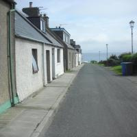 Seaside Holiday Cottage Embo