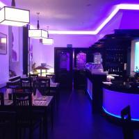 Yumi Hotel Sushi-Steaks & Friends