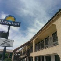 Days Inn by Wyndham Kingman East