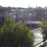 Ha`penny Bridge View Flat