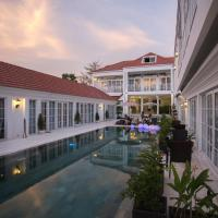 White Boutique Hotel and Residences