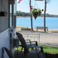Balm Beach Resort and Motel