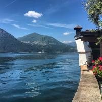 Romantic Loft On The Lake