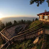 The Downing Mountain Lodge Hostel