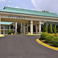 Days Inn by Wyndham Hendersonville