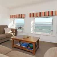 Luxury Two Bedroom Apartment with Fantastic Panoramic Sea Views