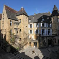 In Sarlat Luxury Rentals, Medieval Center - Maison Fénelon