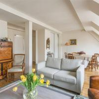 Authentic Top Floor / Champs Mars & Paris