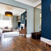 Veeve - Home Sweet Highbury, 3 beds sleeps 10