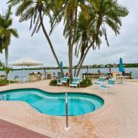 Palm Bay Club, Resort Community