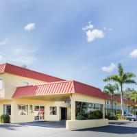 Super 8 by Wyndham Sarasota Near Siesta Key