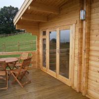 Long Mountain Centre Log Cabins