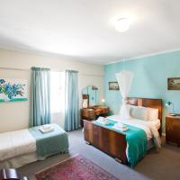 Tulbagh Travelers Lodge - Cape Dutch Quarters