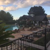 Lodge On The Lake At Pearl Valley