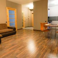 Old Town New Modern Apartment free parking