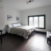 Applewood Suites - Queen West Studio