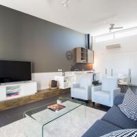 Magnificent Apartment + FREE car park near CBD