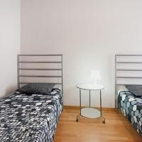 R4D Nice Apartment near Arc Triomf