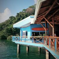 Fish Hook Marina Hotel
