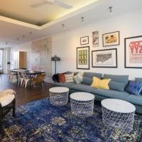 Applewood Suites - 2 Story Ossington Loft