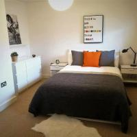 Relax in The City II - City Centre Apartment with Parking & Breakfast