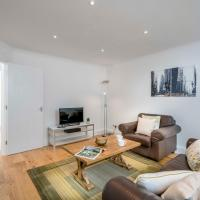2BR Vauxhall Apartment