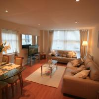 Newly Refurbished Modern Quayside Apartment