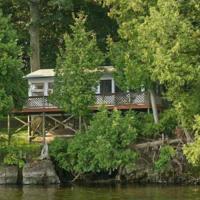 Oak Cabin at Garden Island