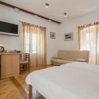 Carrara Accommodation