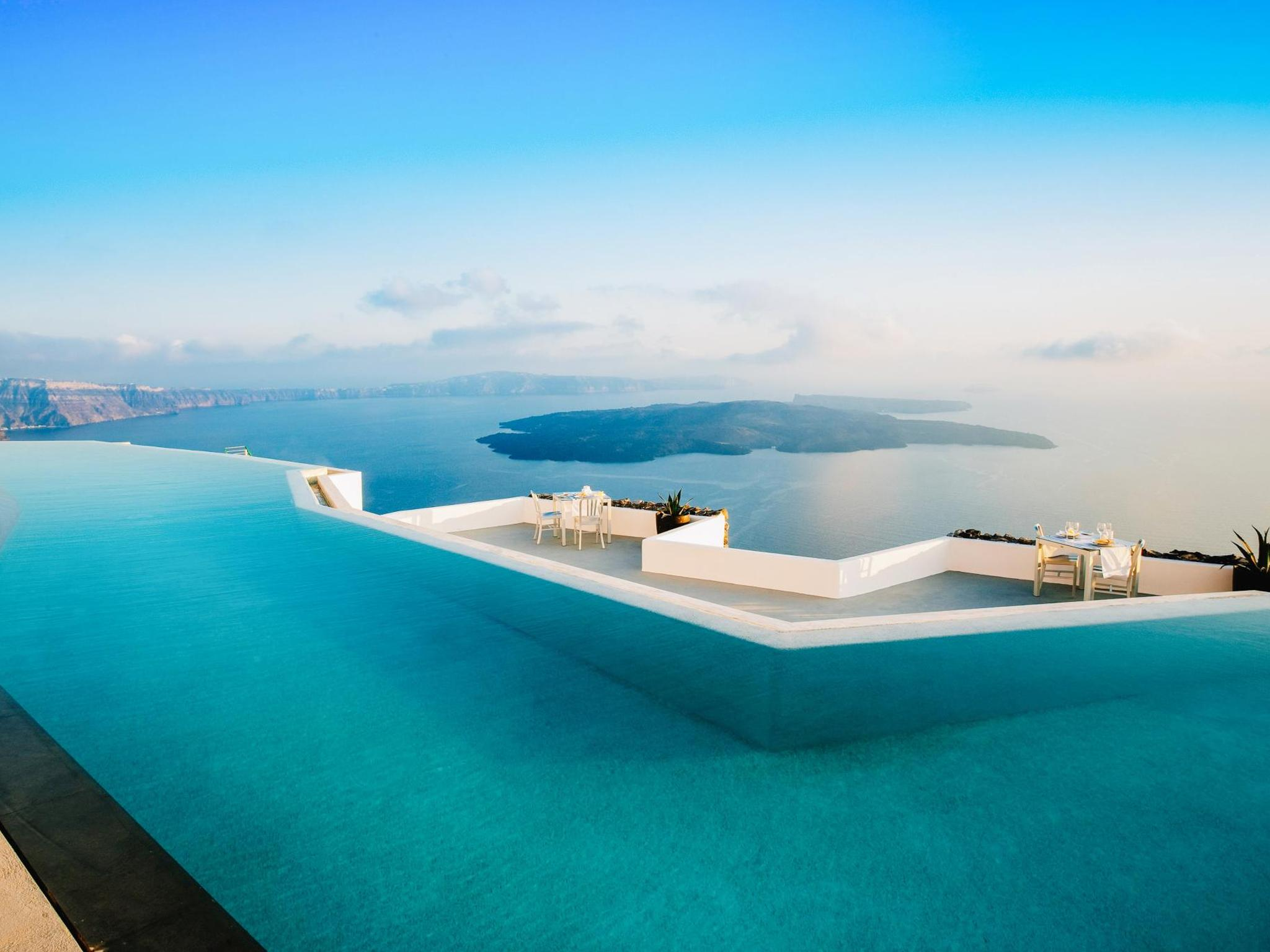 9 breathtaking infinity pools | Booking.com