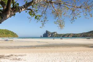 Image of Loh Dalum Bay
